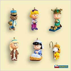 2006 Peanuts Nativity Set 6 Miniature Hallmark Ornament