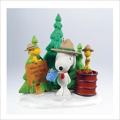 2011 Peanuts Holiday En Tree Preneurs Beagle Scout