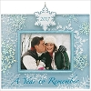 2017 A Year to Remember Snowflake Photo Holder