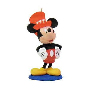 2015 Disney Monthly Series 12th Canadian Mickey  Hallmark Keepsake Ornament QHA1033-2