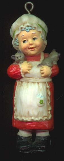 1975 Adorable Adornments Mrs. Santa (Some Yellowing)  (NB) Hallmark Keepsake Ornament 250QX156-1