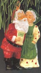 1986 Mr. & Mrs. Claus -Mistletoe 1st Hallmark Keepsake Ornament 1300QX402-6
