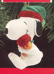 1990 Snoopy And Woodstock Hugging Hallmark Keepsake Ornament 675QX472-3
