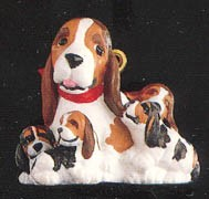 1991 Lulu & Family Beagles *Miniature Hallmark Keepsake Ornament 600QXM567-7