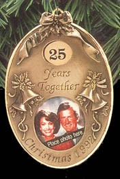 1992 Anniversary Year-Photo Holder  Hallmark Keepsake Ornament 975QX485-1