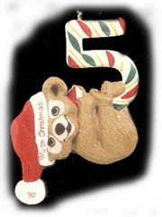 1992 Child's Age: Child's 5th Christmas Bear Hallmark Keepsake Ornament 675QX466-4