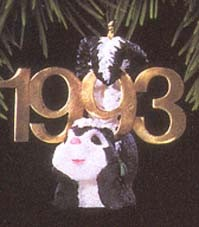 1993 Fabulous Decade 4th-Skunk Hallmark Keepsake Ornament 775QX447-5-2