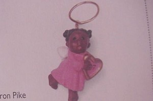 1997 Heavenly Music African American *Miniature Hallmark Keepsake Ornament 595QXM429-2