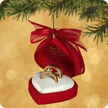2002 Our First Christmas Together-Ring Case Hallmark Keepsake Ornament 995QX862-6
