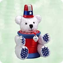 2003 Bearing The Colors Patriotic Hallmark Keepsake Ornament 995QXG249-9