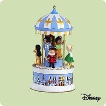 2004 It's a Small World *Wind Up Music& Movement Hallmark Keepsake Ornament 3200QXD5021