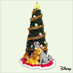 2005 Lady And The Tramp Christmas With The Family Hallmark Keepsake Ornament 1695QXD423-5