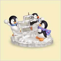 2006 Snow Fort Fun Penguins Hallmark Keepsake Ornament 1500QXG280-3