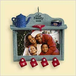 2006 Our Family-Photo Holder Hallmark Keepsake Ornament 1250QXG294-3