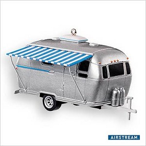2007 Airstream Dreams Hallmark Keepsake Ornament QXI2157