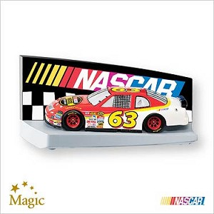 2007 Nascar The Race Is On *Magic Hallmark Keepsake Ornament QXI2187