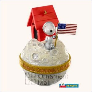 2008 Snoopy NASA Astronaut Hallmark Keepsake Ornament QK4374