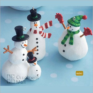 2008 The Friendly Snowmen set/3 *Miniature Hallmark Keepsake Ornament QXM8104