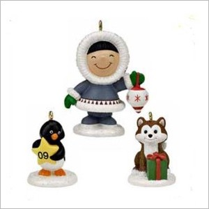 2009 Frosty Friends Christmas Fun With Friends set/3 *Event *Miniature MIB  Hallmark Keepsake Ornament QXC9004A