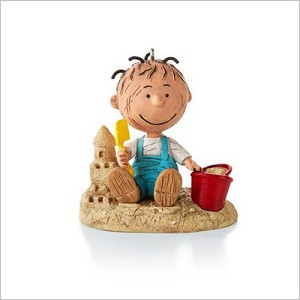 2013 Peanuts Monthly Series 1st Pigpen Fun at the Beach Hallmark Keepsake Ornament QX9802