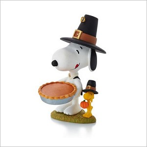 2013 Peanuts Monthly Series 4th Snoopy Giving Thanks Hallmark Keepsake Ornament QX9815