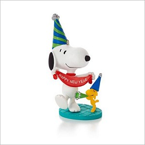 2013 Peanuts Monthly Series 6th Snoopy New Year's Celebration Hallmark Keepsake Ornament QX9825