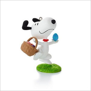 2013 Peanuts Monthly Series 9th Snoopy It's the Easter Beagle Hallmark Keepsake Ornament QX9842
