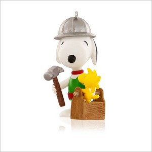 2015 Spotlight on Snoopy 18th Building Buddies Snoopy Hallmark Keepsake Ornament QX9017