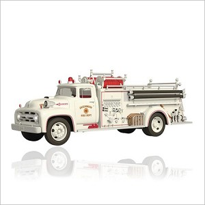 2015 Fire Brigade 13th 1956 Ford Fire Engine *Magic Hallmark Keepsake Ornament QX9029