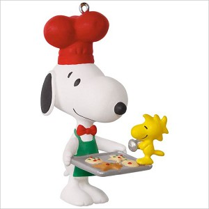 2017 Spotlight on Snoopy 20th Baker Snoopy Hallmark Keepsake Ornament QX9435