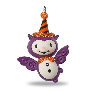 2018 Bitty Bat *Miniature *Halloween Hallmark Keepsake Ornament QFO5266