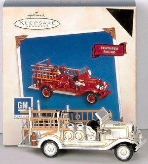 2005 Fire Brigade 3rd 1938 Chevrolet Colorway *Magic Hallmark Keepsake Ornament QX2035C