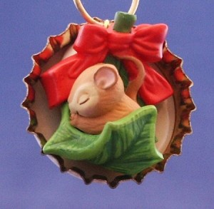 1993 Forty Winks Mouse in Bottlecap *Miniature *Club Hallmark Keepsake Ornament QXC529-4