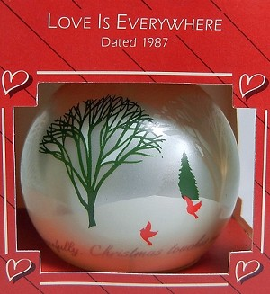 1987 Love Is Everywhere Ball (SDB) Hallmark Keepsake Ornament QX2787