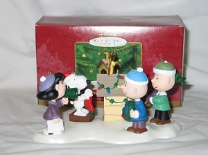 2000 Peanuts - A Snoopy Christmas- Snoopy ONLY Hallmark Keepsake Ornament 395QRP4184