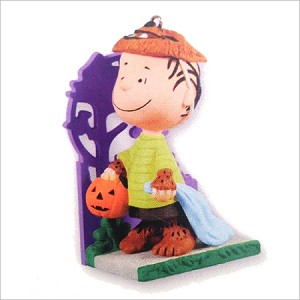 2011 Peanuts Gang A Howling Good Time Hallmark Keepsake Ornament QXO5219