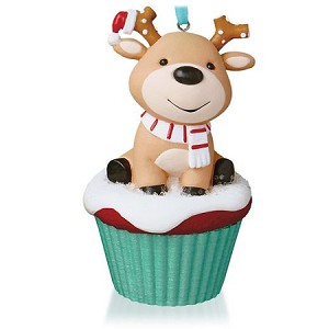 2015 Keepsake Cupcakes Monthly Series 5th Salty and Sweet Reindeer Hallmark Keepsake Ornament QHA1040