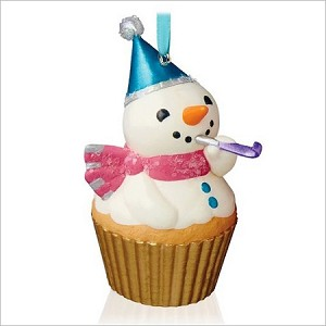 2015 Keepsake Cupcakes Monthly Series 6th New Year's Snowman Hallmark Keepsake Ornament QHA1041