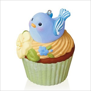 2016 Keepsake Cupcakes Monthly 10th Nest Sweet Nest Hallmark Keepsake Ornament QHA1045