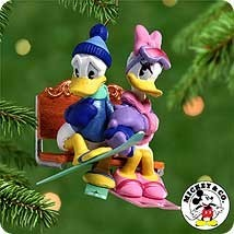 2000 Romantic Vacations 3rd & Final Donald and Daisy at Lover's Lodge Hallmark Keepsake Ornament 1495QX403-1