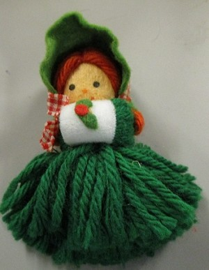 1975 Yarn Caroler  Hallmark Keepsake Ornament 175QX126-1