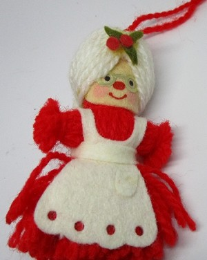 1973 Yarn Mrs. Santa  Hallmark Keepsake Ornament 125XHD75-2