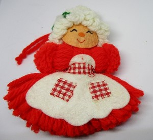 1975 Yarn Mrs. Santa  Hallmark Keepsake Ornament 175QX125-1
