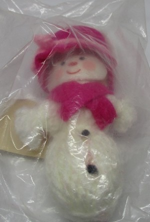 1973 Yarn Mrs. Snowman (has color bleeding)  Hallmark Keepsake Ornament 125XHD77-2